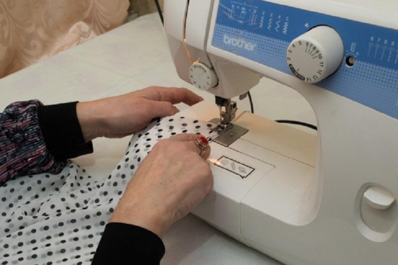Зачем доставать швейную машинку из пыльного угла