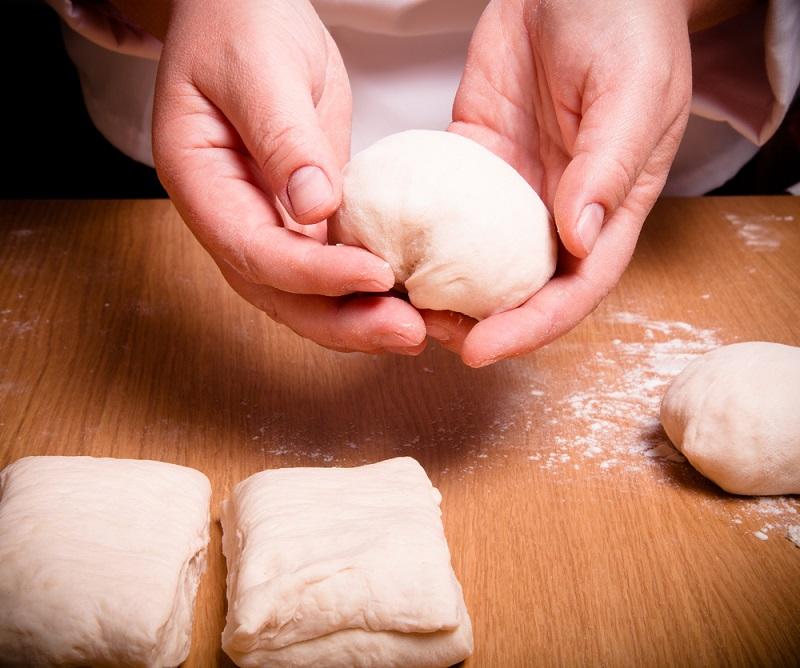 Рецепт теста на майонезе без яиц и масла