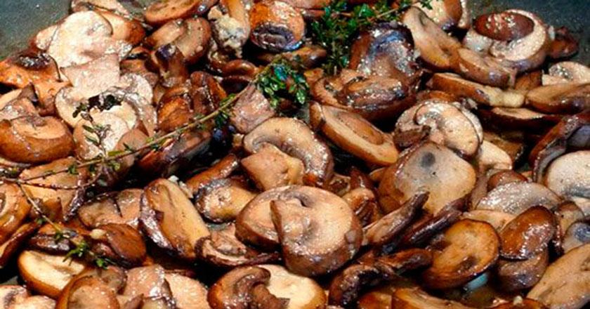 Теперь жарю грибы только по этому рецепту. Идеальный вкус!