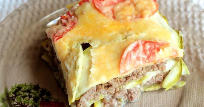Запеканка из кабачков с фаршем в духовке - рецепты с помидорами, сыром, картошкой и рисом