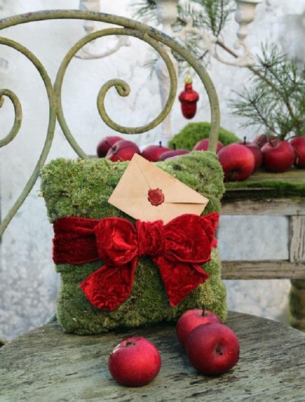 Все друзья удивляются, как ей удается создать новогоднее настроение даже в слякоть и в отсутствие снега за окном. Весь секрет в...