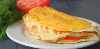 Идея для завтрака: слоеная яичница за 10 минут