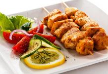 Пряный куриный шашлычок – украшение любого праздничного стола