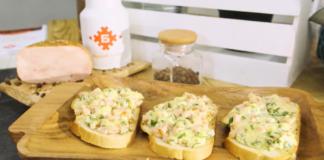 Гренки с колбасой и твердым сыром – быстрый перекус и аппетитное украшение стола
