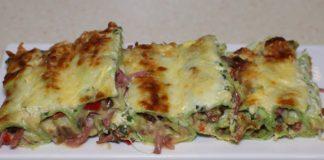 Пирог из лаваша – отличный вариант «быстрого» и сытного ужина, от которого домочадцы придут в восторг