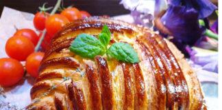 Слоеный пирог с курицей и шампиньонами