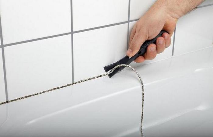 Как заменить силиконовые швы в ванной без лишней мороки