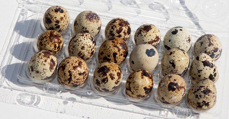 Перламутровые яйца в пасхальной корзине и как добиться сияния