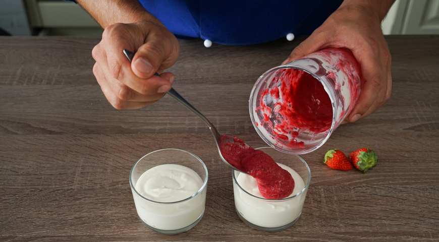 Мгновенный творожный крем с ягодами