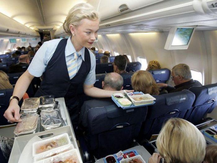 Занятные факты о перелетах, о которых стюардессам не разрешается рассказывать