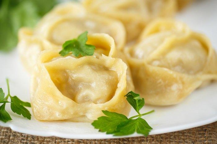 Манты с картофелем на сковороде и почему они лучше мясных