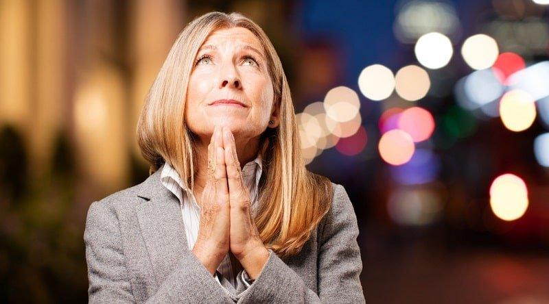 Молитва за руки врачей и зачем ее произносить