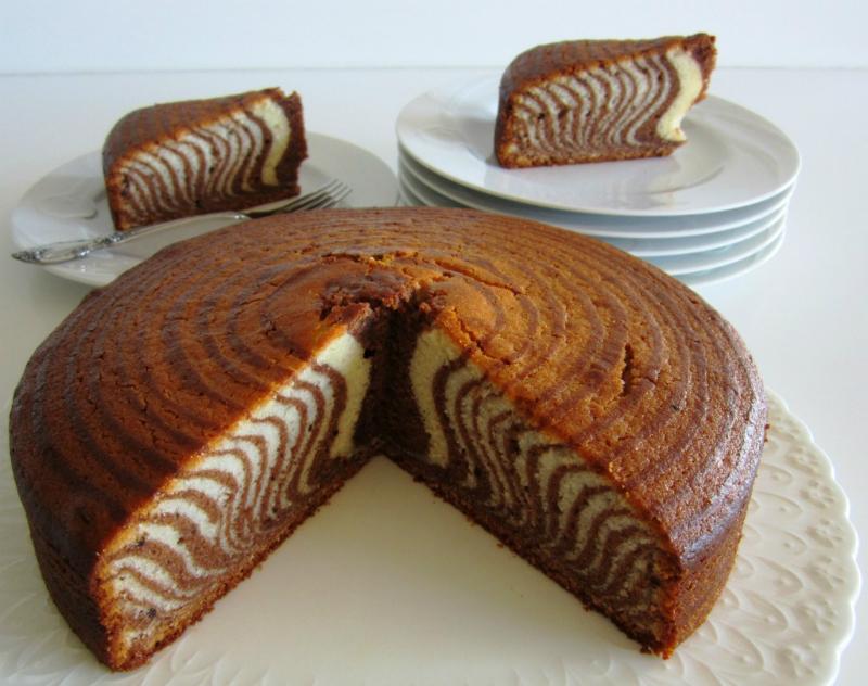 Как приготовить манник «Зебра»: пышный, воздушный, яркий пирог