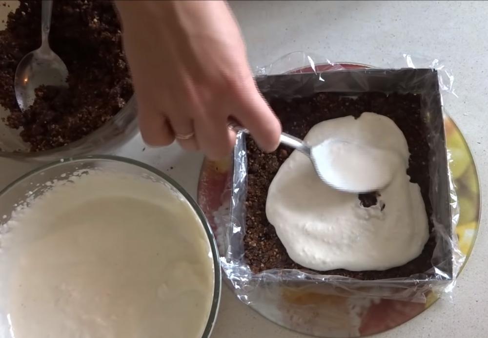 Как приготовить бесподобный торт из обычных сухарей