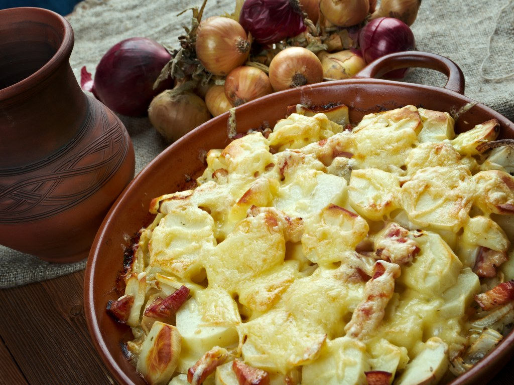Картофель а-ля карбонара: блюдо ресторанного уровня всего за полчаса. Пошаговый рецепт.