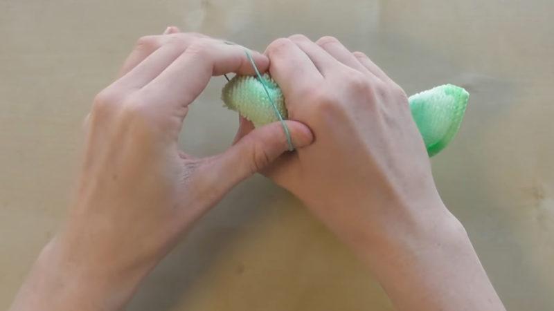 Пасхальный зайчик из полотенца: всё очень просто и красиво