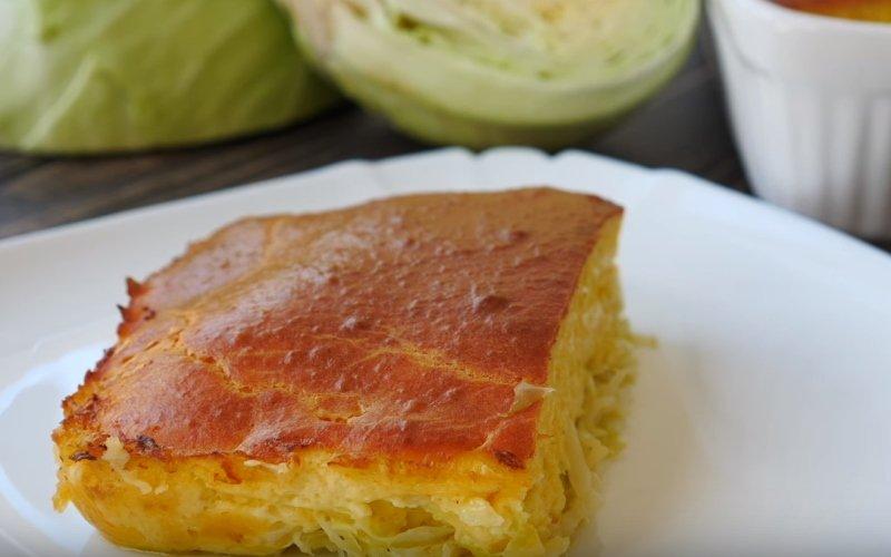 В чём прелесть капустной шарлотки и как ее готовить