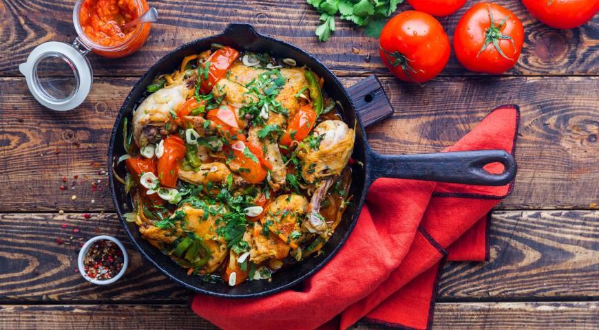 Как вкусно пожарить курицу и превратить ее в паприкаш, фрикасе и чахохбили