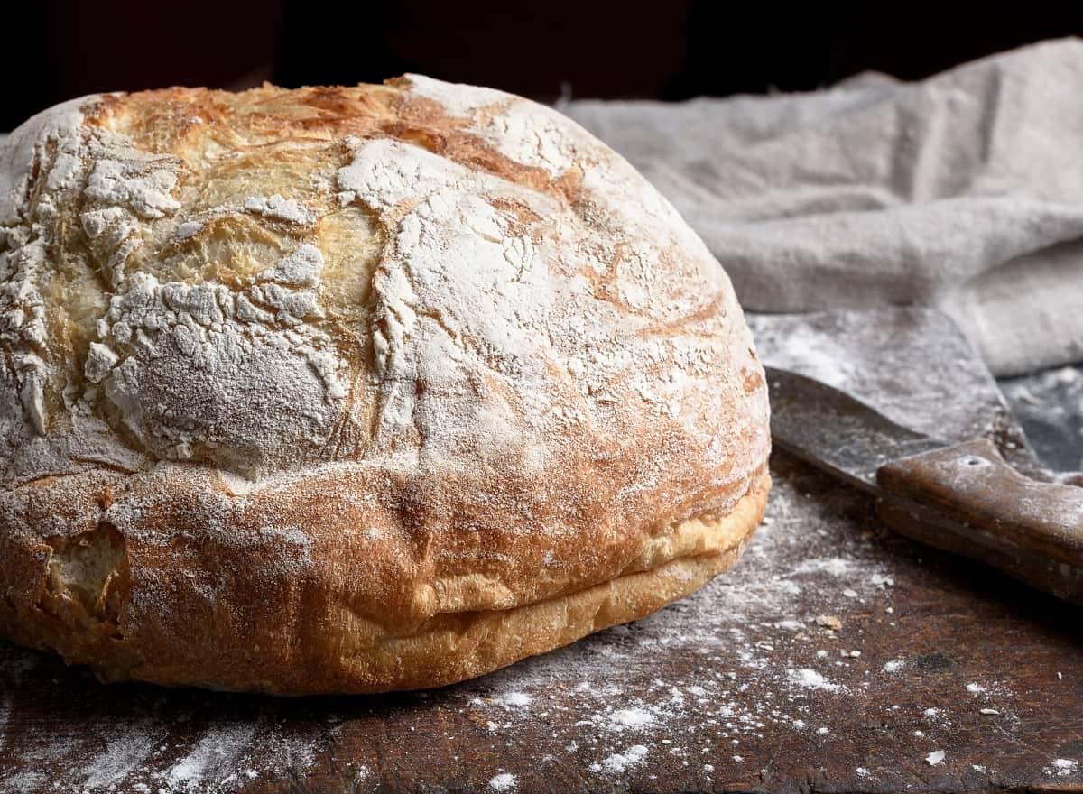 Как испечь хлеб, но не возиться с тестом на кухне