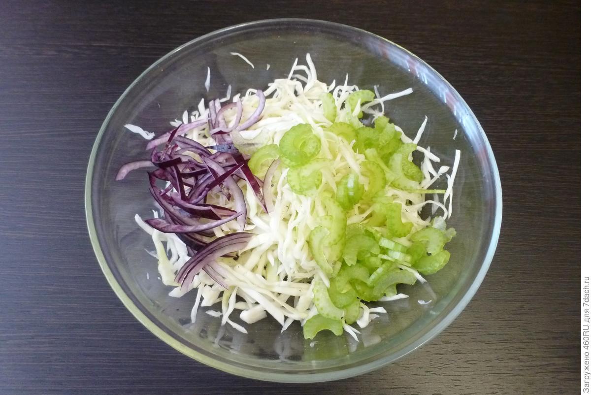 Салат из капусты и шампиньонов