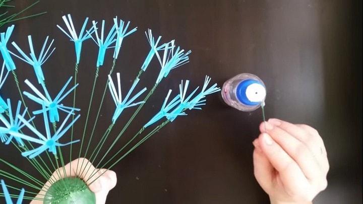 Сказочный одуванчик для украшения вашего двора из самых простых материалов