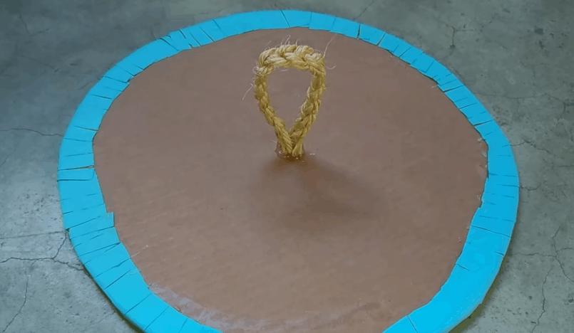 Практичная и симпатичная бельевая корзина без шитья и плетения