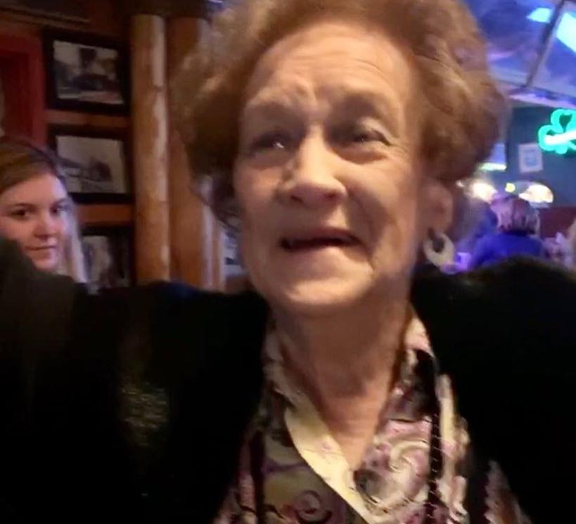 Как выглядит 86-летняя мама Шэрон Стоун